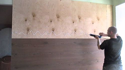 Клеим ламинат на стену
