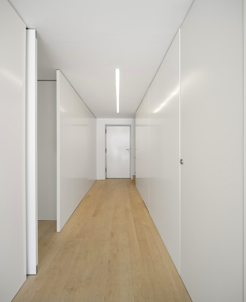 svetlyy-laminat-v-interere-08